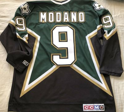 Mike Modano Dallas Stars 1999 Stanley Cup authentic CCM stitched green and black jersey