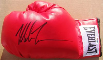 Mike Tyson autographed Everlast leather boxing glove (TriStar)
