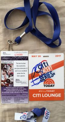 Miley Cyrus autographed 2017 Citi Concert Series plastic badge with lanyard and fan (JSA)