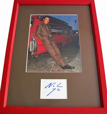 Noah Wyle autograph matted and framed with full page magazine photo