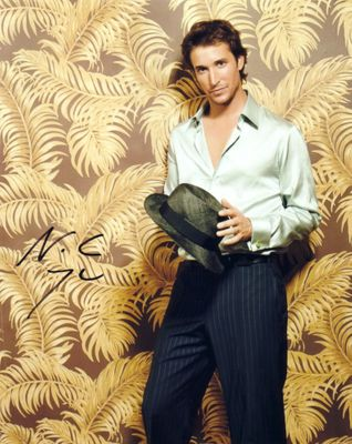 Noah Wyle autographed 8x10 portrait photo