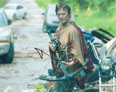 Norman Reedus autographed Walking Dead 8x10 photo with crossbow