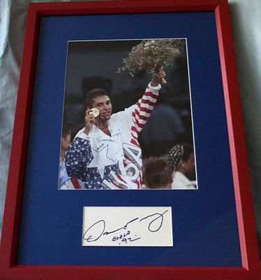 Oscar De La Hoya autographed index card inscribed Gold 92 framed with 1992 Olympic boxing 8x10 photo