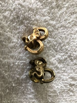 Pair of Elephant head Republican Party mascot Gulf Oil gold lapel pins