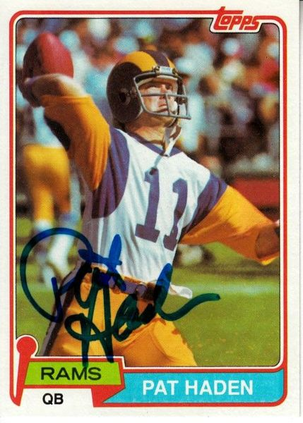 Pat Haden autographed Los Angeles Rams 1981 Topps card