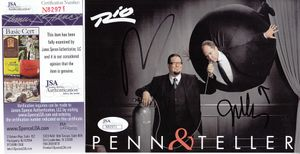 Penn and Teller autographed Live at the Rio 5x7 inch postcard (JSA)