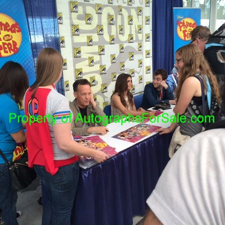 Phineas and Ferb cast autographed 2015 Comic-Con poster (Dee Bradley Baker Vincent Martella Olivia Olson Alyson Stoner)