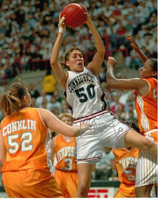 Rebecca Lobo autographed UConn Huskies 1995 NCAA Championship Game 8x10 action photo