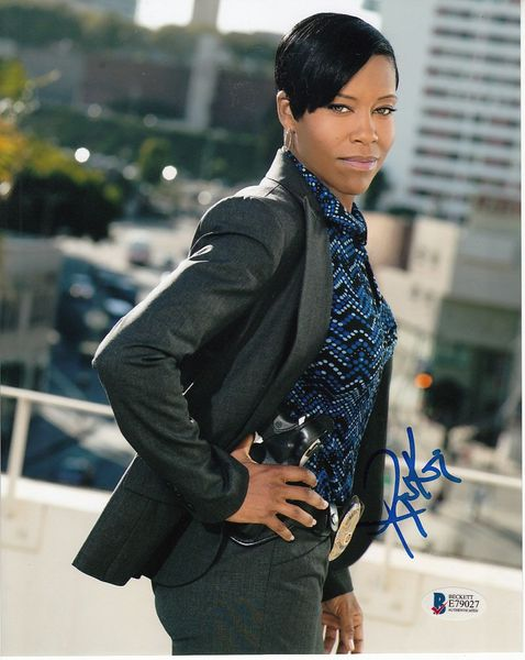 Regina King autographed Southland 8x10 photo (BAS authenticated)
