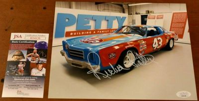 Richard Petty autographed 43 car 8x10 photo (JSA)
