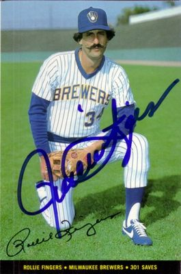 Rollie Fingers autographed Milwaukee Brewers 1983 Topps Foldouts photo