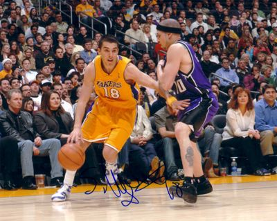 Sasha Vujacic autographed Los Angeles Lakers 8x10 photo