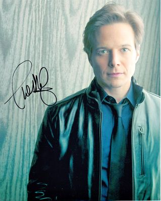 Scott Wolf autographed 8x10 portrait photo