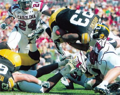 Shonn Greene autographed Iowa Hawkeyes 2009 Outback Bowl 8x10 photo