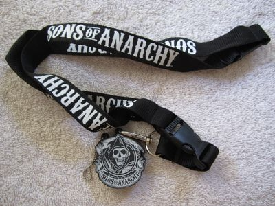 Sons of Anarchy 2014 Comic-Con exclusive promo key fob with lanyard and 2 GB USB flash drive