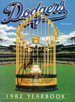 Steve Garvey autographed Los Angeles Dodgers 1982 Yearbook