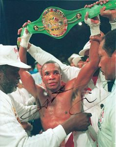 Sugar Ray Leonard autographed 8x10 boxing photo