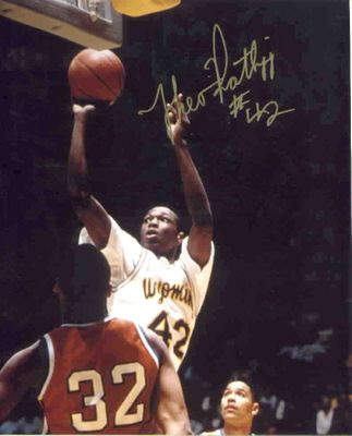 Theo Ratliff autographed Wyoming Cowboys 8x10 photo