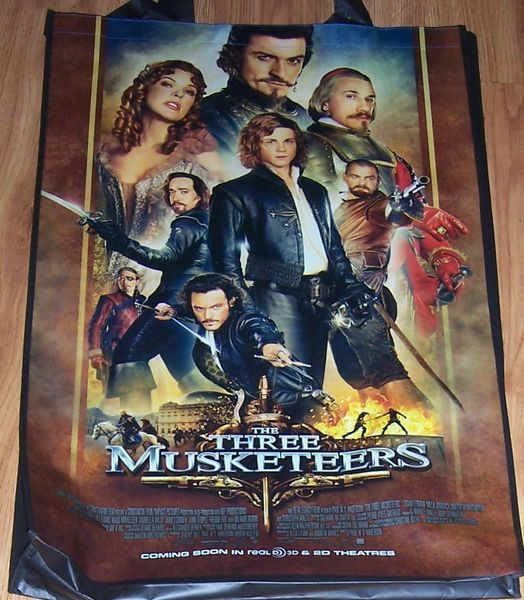 Three Musketeers movie 2011 Comic-Con huge promo bag MINT