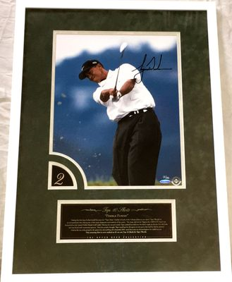 Tiger Woods autographed 2000 U.S. Open victory UDA 12x16 photo matted and framed #13/100