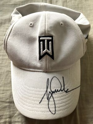 Tiger Woods autographed TW logo Nike One beige golf cap or hat