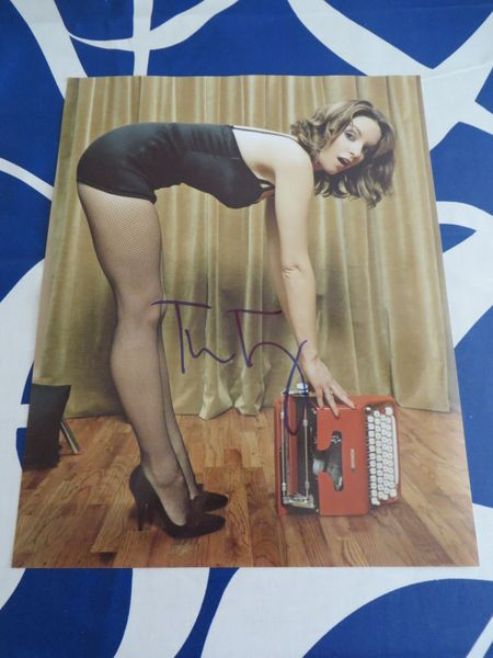 Tina Fey autographed sexy 11x14 photo