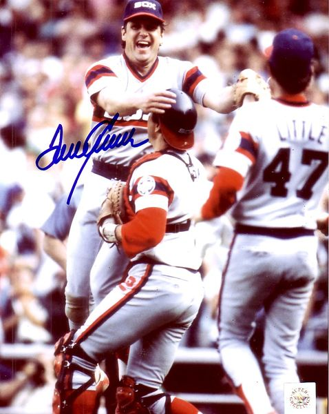 Tom Seaver autographed Chicago White Sox 8x10 photo (Superstar Greetings)