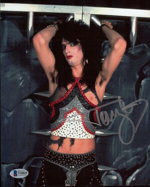Tommy Lee autographed Motley Crue 8x10 photo (BAS authenticated)
