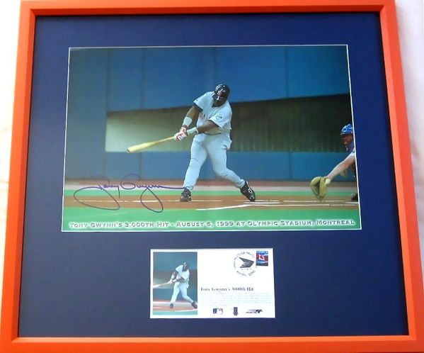 Tony Gwynn autographed San Diego Padres 3000th Hit mini poster framed with cachet
