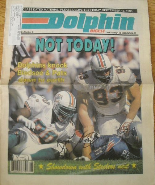 Trace Armstrong autographed 1995 Dolphin Digest newspaper cover