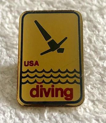 USA Diving logo gold lapel pin