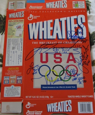 USA Softball stars autographed 1996 Olympic Wheaties box (Lisa Fernandez Michele Smith)