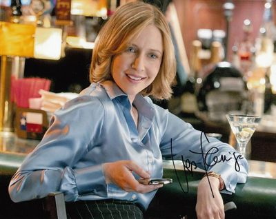 Vera Farmiga autographed Up In the Air 8x10 movie photo