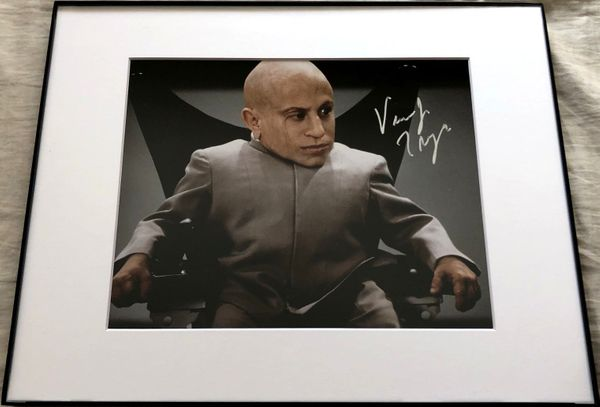 Verne Troyer autographed Mini Me 8x10 Austin Powers movie photo matted and framed
