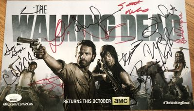 Walking Dead cast autographed 2013 Comic-Con photo card (Andrew Lincoln Norman Reedus Lauren Cohan Danai Gurira) JSA