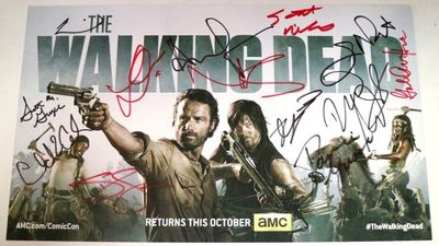 Walking Dead cast autographed 2013 Comic-Con photo card (Andrew Lincoln Norman Reedus Lauren Cohan Danai Gurira)