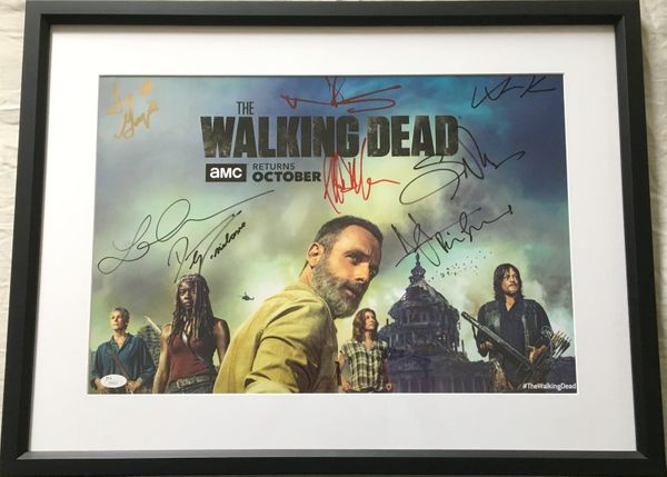 Walking Dead cast autographed 2018 Comic-Con poster framed Andrew Lincoln Norman Reedus Lauren Cohan Danai Gurira JSA