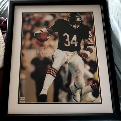 Walter Payton autographed Chicago Bears 16x20 poster size photo inscribed Sweetness 16726 matted and framed