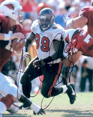 Warren Sapp autographed Tampa Bay Buccaneers 8x10 photo