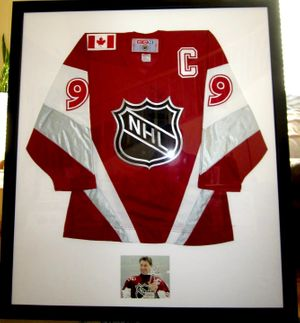 Wayne Gretzky autographed 1999 NHL All-Star Game authentic CCM jersey matted and framed with photo