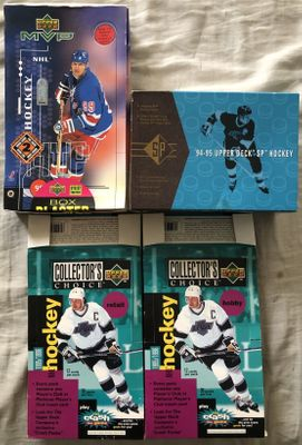 Lot of 4 different Wayne Gretzky empty Upper Deck NHL Hockey card boxes