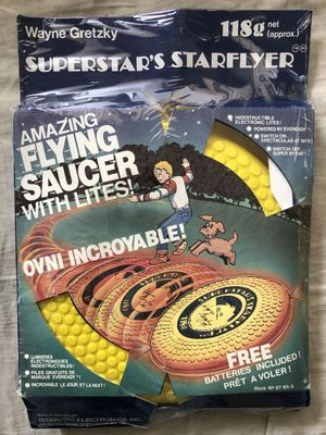 Wayne Gretzky 1980 Superstar's Starflyer Flying Saucer frisbee toy NEW AND SEALED