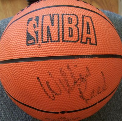 Willis Reed autographed Spalding NBA mini basketball