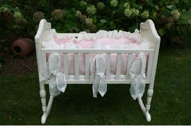 laundered linen cradle set