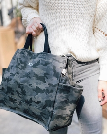 luxe NS camo tote with black handles