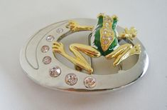 GREEN LEAP FROG LUCKY TOAD POND RHINESTONES BELT BUCKLE GREEN FROGS BUCKLES