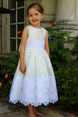 Susanne Lively Girls Sleeveless Ivory Special Occasion Dress with White Lace