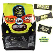 Hershey's Glow In The Dark Assorted Candy Bars 230 Count