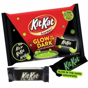 Kit Kat Glow In Dark Wrappers 9.8oz Bag (20 Count)
