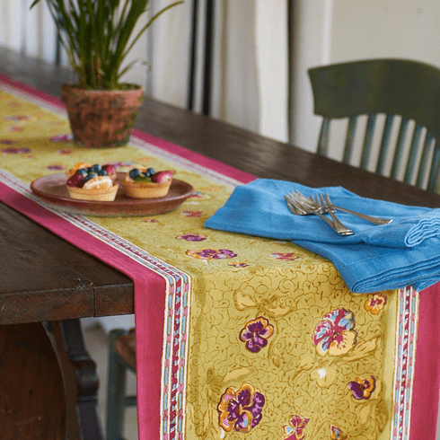 Table Runner - Pansy Red & Green Couleur Nature Runner
